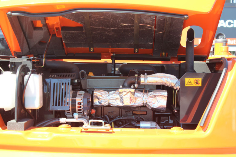 Под капотом Хитачи ZX 330