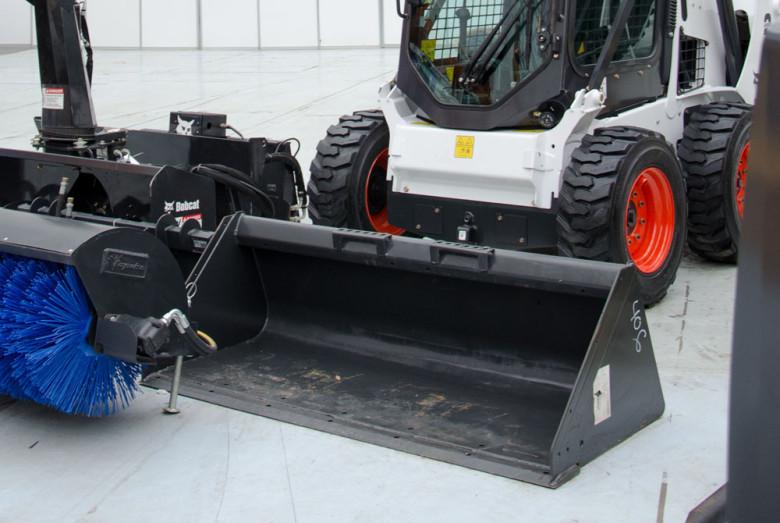 Навесное оборудование для Bobcat S850