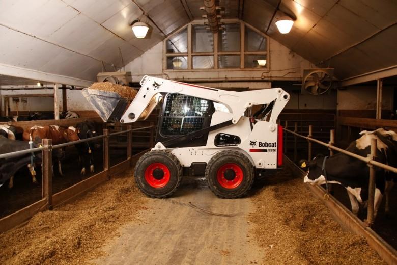 Bobcat S850 для работы на фермерском хозяйстве