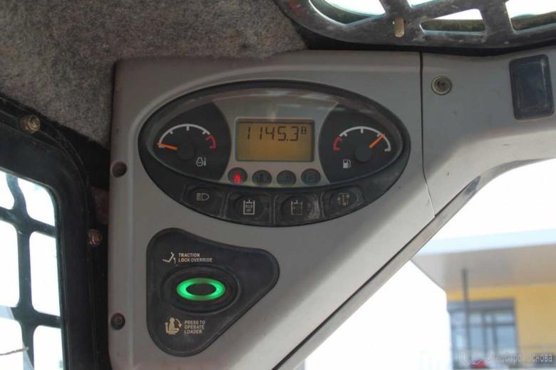 Панель управления Bobcat S130