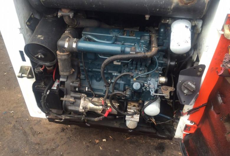 Двигатель Bobcat 130