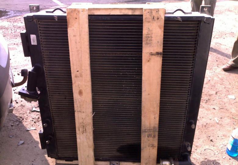 Радиатор JCB 330