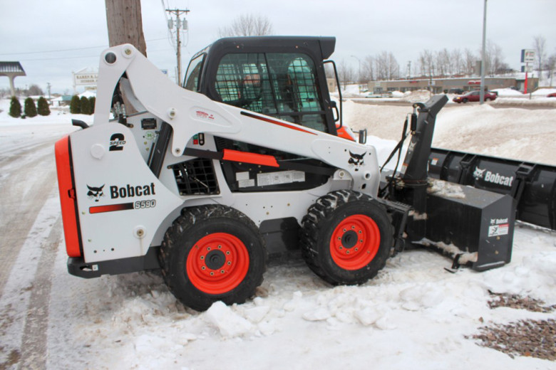 Мини-погрузчик Bobcat S590