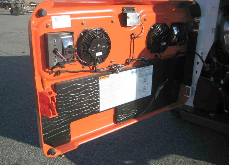 Крышка двигательного отсека Bobcat T770