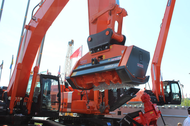 Навесное оборудование для Hitachi ZX 210