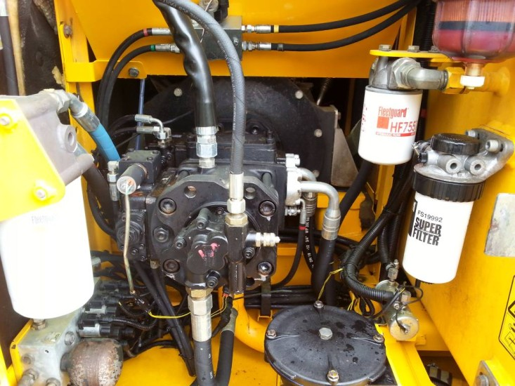 Колесный экскаватор JCB 160. Фото