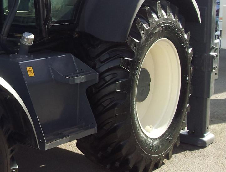 Заднее колесо Terex TLB 825