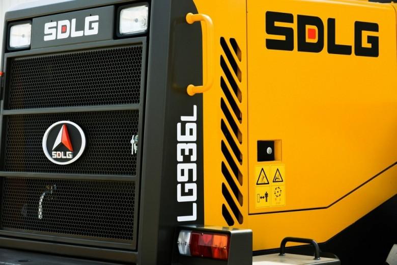 Отсек двигателя LG936L