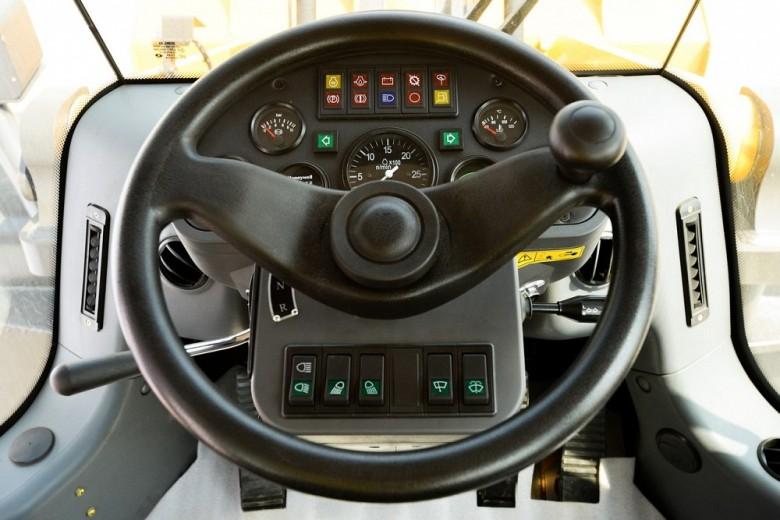Рулевое колесо погрузчика LG 956