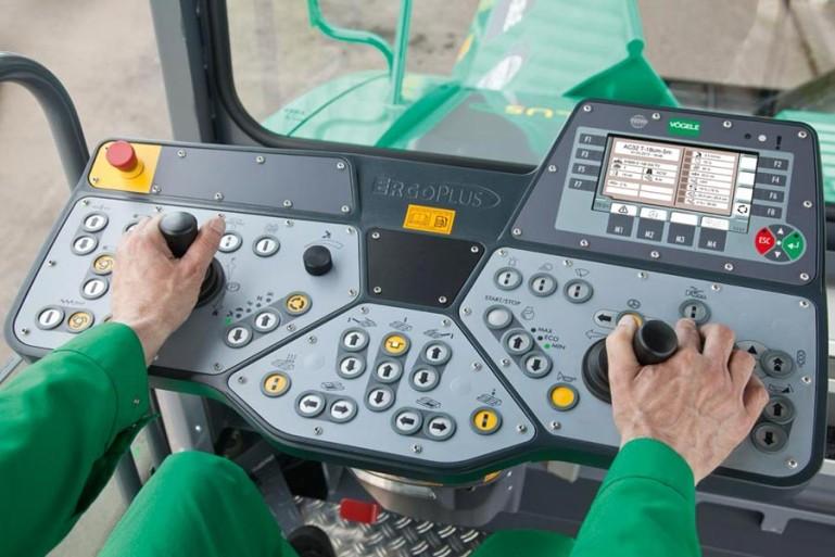 Пульт управления в кабине оператора Vogele Super 1600